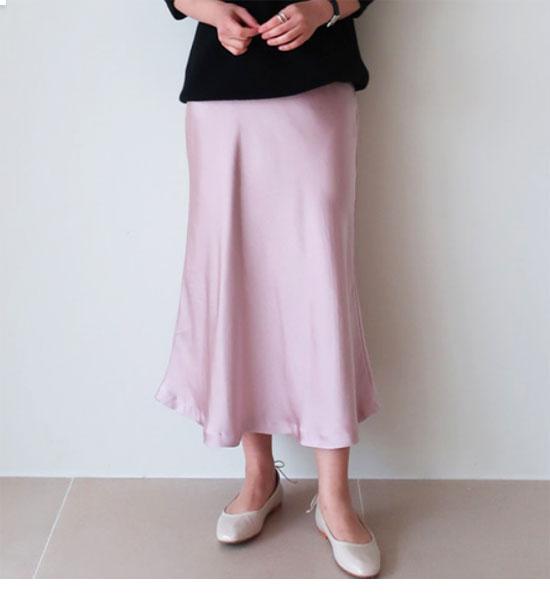ミモレ丈・ロング丈のサテン(光沢素材)スカート画像