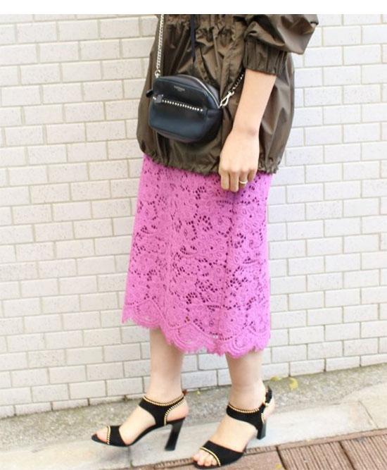 大人のピンクコーデ・IENA(イエナ) のスカート画像1a